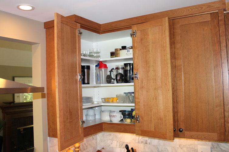 Building Kitchen Cabinets and Bathroom Vanities Steve